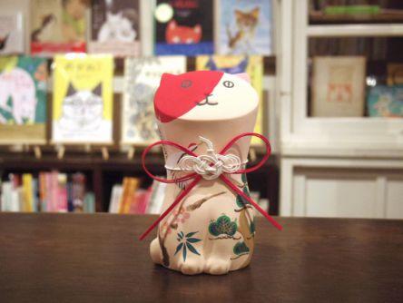 日本初!「猫本専門店」が福岡・六本松の昭和な路地裏にオープン