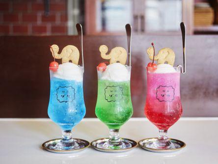 人気店「喫茶ゾウメシ」が京都上陸!カラフルなクリームソーダ、どの色にする?