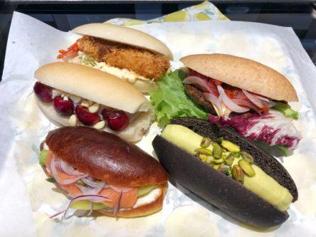 絶品ふわふわ食感!上野公園近くの色とりどりで可愛いコッペパン専門店