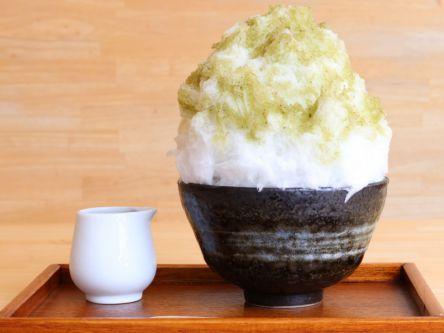奈良・ならまちの超人気店。並んでも食べたい、キーンとならないかき氷