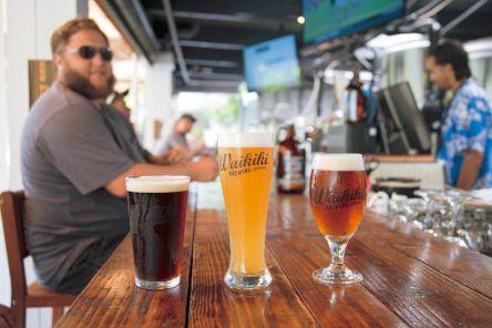 自家製ビールを飲み比べ! ハワイのクラフトビールの店3選
