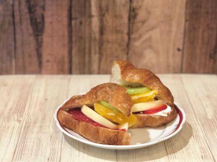 """食パンONLYなんてもったいない!""""色んなパン""""で楽しむフルーツサンド"""