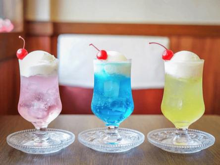 しゅわっと爽快!色とりどりの都内で飲めるクリームソーダ7選