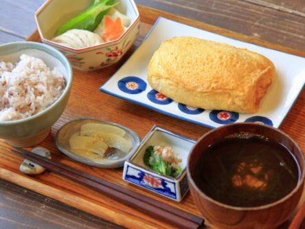 できたて島豆腐やたまご焼き、島野菜をのんびり味わう 石垣島のおいしい朝ごはん6選