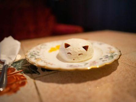 白いキツネのふわふわチーズケーキが大人気!広島・尾道のレトロな喫茶店