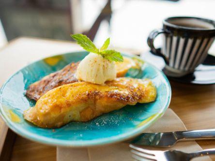 黄金に輝くフレンチトーストも!広島・尾道で人気の海沿いコーヒースタンド