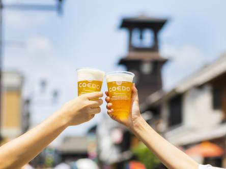 川越のシンボル・時の鐘をバックに樽生のコエドビールで乾杯!