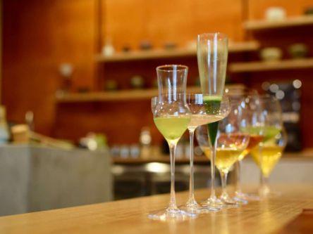 お茶のプロが提案する「お茶×ワイングラス」の日本茶コースで新体験