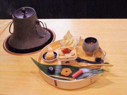 隈研吾が監修した熊本の醤油蔵カフェで、キュートなうさぎ発見!