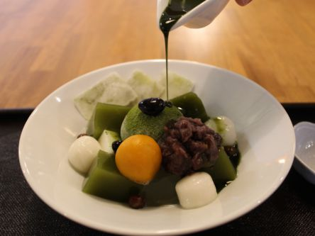 季節限定和菓子とのマリアージュが最高!福岡・八女茶を使った抹茶カフェ