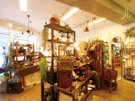 大阪きってのおしゃれタウン!堀江で雑貨店&カフェめぐり
