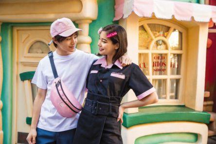 東京ディズニーリゾートの最新グッズは「ピンク」!かわいいコーデをチェックしよう