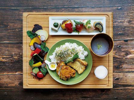 注目!京都にかわいい発酵カフェオープン、さまざまな発酵食品が1プレートランチに