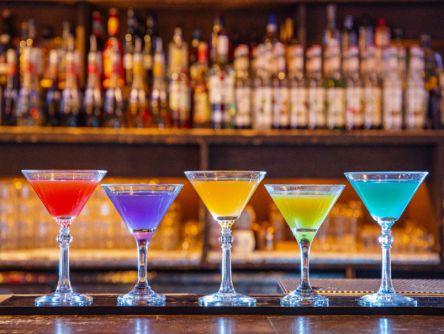 札幌の大人バーでたしなみたい。キラキラ宝石色のカクテル3選