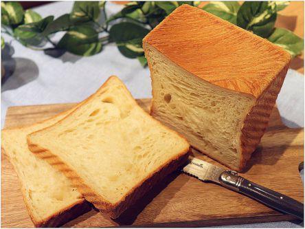 外はサクッ!中はしっとり!食感に絶対ハマる高級食パン3選