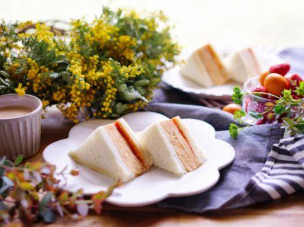 ボリューム満点!だし巻き卵サンド【kyoko_plusのレシピ&テーブルコーデvol.18】