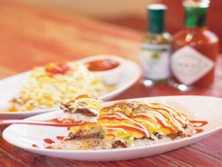 食べたら幸せ。笑顔がこぼれる、沖縄のふわトロ卵のタコライス!?