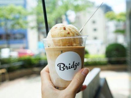 街さんぽで立ち寄りたい!大きなアイスが乗った欲張りスペシャルラテ【日本橋】