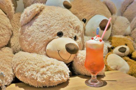 """メルヘンな世界におぼれる…!童話の""""お菓子の家""""みたいな可愛すぎるカフェ【高円寺】"""
