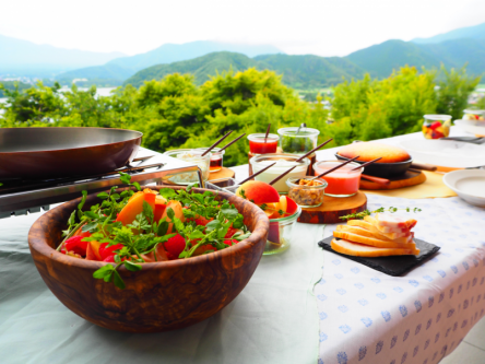 富士山を望むグランピング体験! フルーツたっぷり朝食で始まる休日【後編】