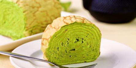 おうちで贅沢に!京都のお取り寄せスイーツ「抹茶ミルクレープロール」