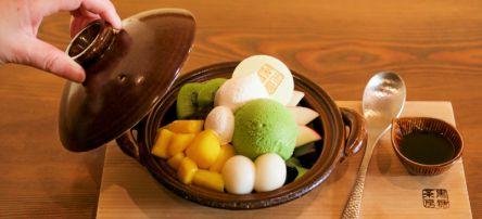日本初の沖縄純黒糖専門カフェへ!黒糖づくしの豪華な「鍋パフェ」