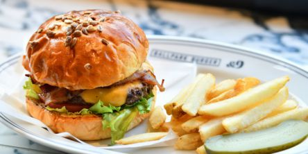横浜スタジアムにハンバーガー専門店オープン!あの選手も食べたかも!?