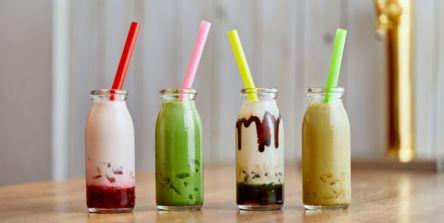 大阪・難波「タイガーリリー喫茶」の超キュートな牛乳瓶入りわらび餅ミルクドリンクが飲みたい!