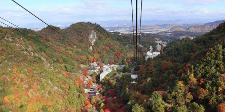 ロープウェイから山の紅葉絶景を見渡せるスポット25選。ハイキングの起点にも
