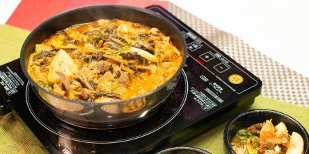 自宅で簡単に本格韓国料理!忙しい日の夕食にもぴったりな、カムジャタンセットを使ってみた