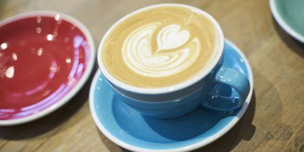 スタバ創業者「エリック・ローズ」が手がけるカフェが表参道にオープン!ハワイ「MORNING GLASS COFFEE + CAFÉ」の新業態