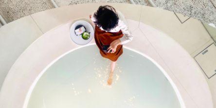 """コスメ×カフェ×足湯まで!""""命の洗濯""""ができる新宿の体験型ショップ「YUBUNE」"""