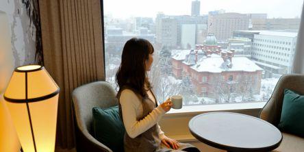 """赤レンガ道庁舎の絶景ビュー! 朝食は""""勝手丼""""を好きなだけ、都会派癒しホテルが札幌に誕生"""