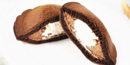 ローソン新作「どらもっち(パリチョコチップ&ミルク)」は、たっぷりクリームの最強幸せスイーツ