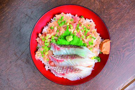 千葉・房総半島で味わう珠玉の海鮮丼5選【木更津・富津・金谷】