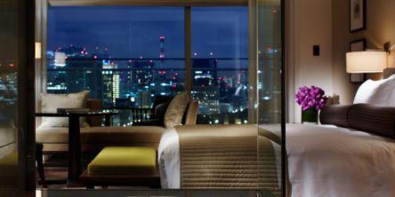 緑豊かな都心のホテルで優雅な休日を♪赤ワインなどが付いた「パレスホテル東京」の限定プラン