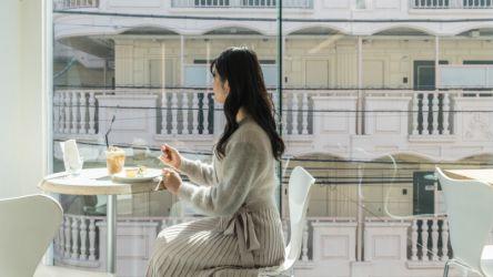 代官山「カフェファソン」の窓際席で海外旅行気分!自家焙煎コーヒーと自家製スイーツもかわいすぎる