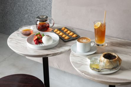 KASHIYAMA DAIKANYAMAの絶品バスクチーズケーキや極上ブッラータと一緒に上質カフェ時間を