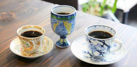 鎌倉・若宮大路にお目見え!ネルドリップ&有田焼カップの「自家焙煎珈琲 シャドレ」