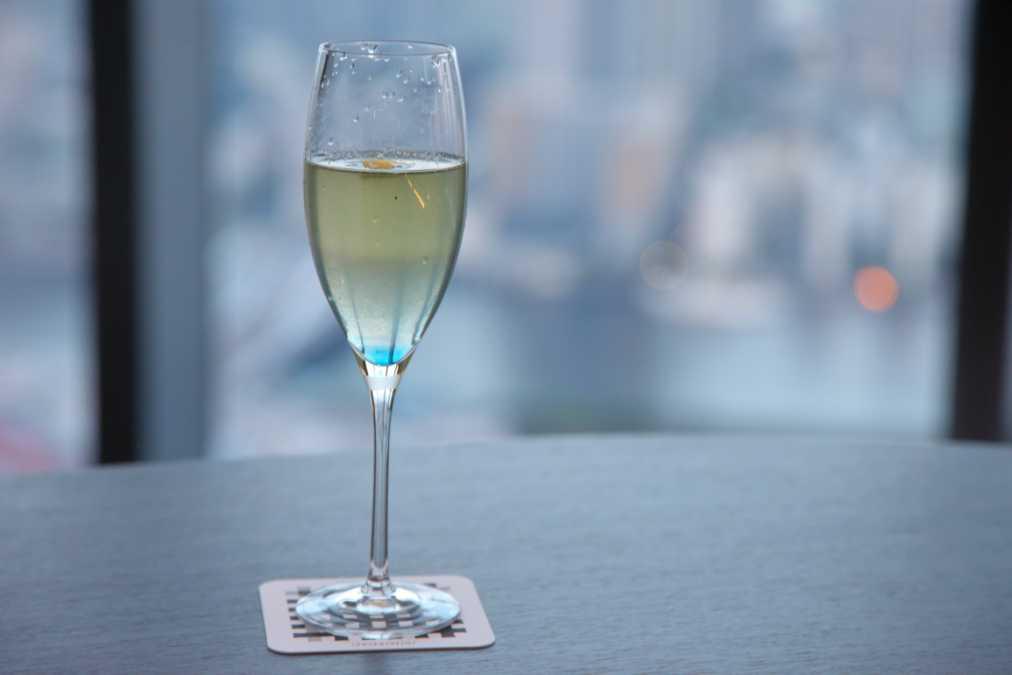 シャンパンカクテル 1600円~※税・サービス料別途