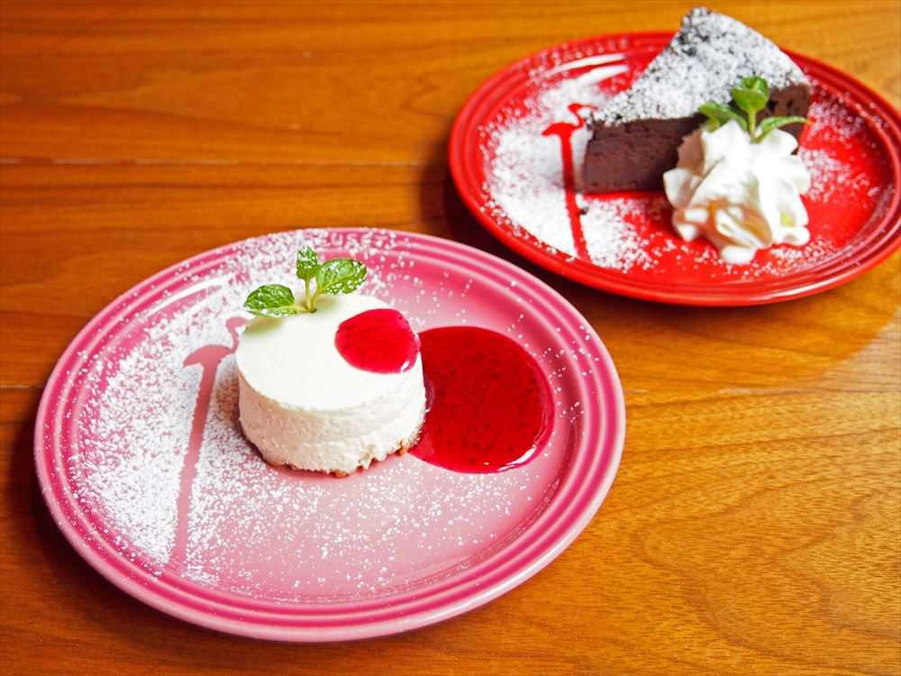 宇田川チーズケーキ:550円 ガトーショコラ:550円