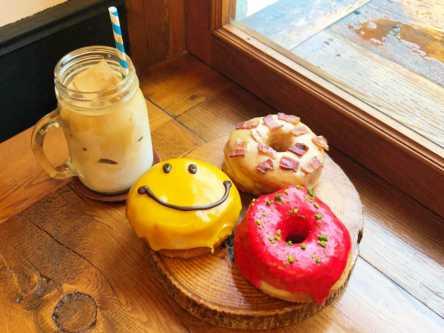 マンゴーやベーコンまで!?「グッドタウンドーナツ」のふわふわ絶品ドーナツにかぶりつきたい!