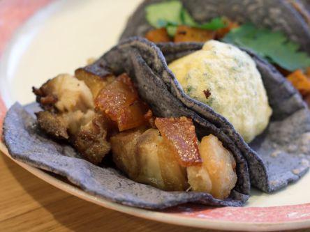 """これが噂の""""青いタコス""""!メキシカン好きなら食べるべき本物のおいしさ"""