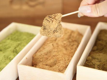 カカオやほうじ茶などフレーバーは現在19種類!和菓子isshinのトロトロわらびもち