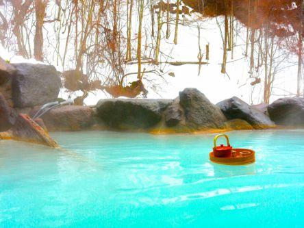 【村上萌が提案する30歳からの#週末野心vol.5】秋は渋めの秘湯へ出かけたい