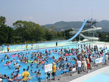 愛媛県のおすすめ屋外・屋内プール、2020年度の開催・中止は?