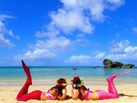 この夏、沖縄で人魚になってみる?秘密のビーチでマーメイドスイム体験