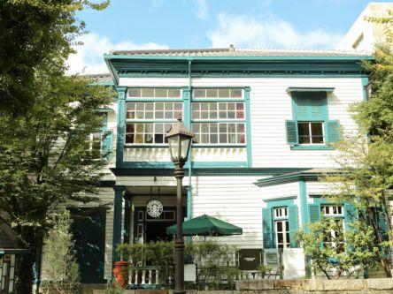 フォトジェニックすぎる神戸のスターバックスは、洋館の建物がおしゃれ~