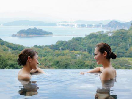 淡路島の日帰り温泉~絶景露天風呂や水着ゾーンなどリゾート感満載~