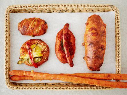 看板商品はバリエ豊富な「トマトパン」!絶品パンが揃う阪神間のベーカリー